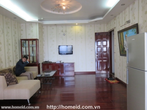 Spacious and beautiful apartment for rent on Nguyen Chi Thanh street, Ba Dinh district, Ha Noi