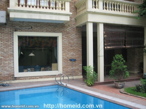 Modern and well-designed villa in To Ngoc Van street