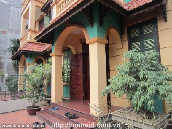 Furnished and luxurious house in Dao Tan, ba Dinh district