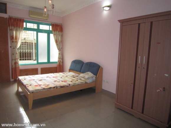 Cheap and full furniture house for rent in Ngoc Ha, Ba Dinh